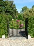 Trädgården utfärda utegångsförbud för Arkivfoto
