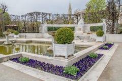 Trädgården Volksgarten för folk` s i vår i Wien, Österrike royaltyfria foton