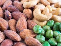 Trädgårds- ärta, kasjuer och mandlar som saltas och goda för hjärta Arkivfoto