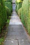 Trädgårds- bana för sten Arkivfoto