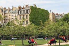 Trädgårds- Catherine-Laboure, Paris Arkivfoto