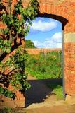 Trädgårds- dörröppning Arkivfoton