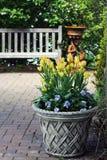 Trädgårds- dekor arkivfoton