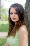 trädgårds- flickagreen för klänning Royaltyfria Bilder