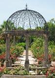 trädgårds- gazebo Arkivfoton
