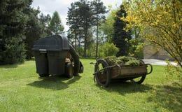 trädgårds- hjälpmedel Arkivbilder