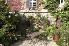 trädgårds- idylliskt Royaltyfri Fotografi