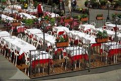 trädgårds- italy restaurang royaltyfri bild