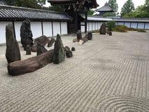 trädgårds- japansk rockzen royaltyfria foton