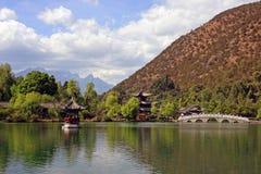 trädgårds- lake för kines Royaltyfri Foto