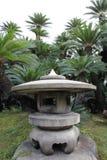 Trädgårds- lykta för sten Arkivbilder