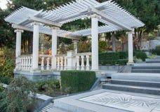 Trädgårds- möblemang för antikvitet på terrassen Arkivfoton