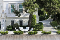 trädgårds- modernt Royaltyfri Bild