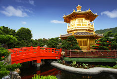 trädgårds- pavillion för kines Arkivfoto