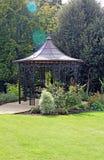 Trädgårds- plats för Pergola Fotografering för Bildbyråer