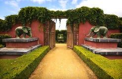trädgårds- port arkivbilder