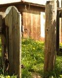 Trädgårds- port för tappning Arkivfoton