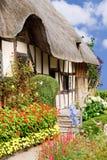 trädgårds- sommar för stuga arkivbilder
