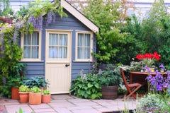 trädgårds- utgångspunkt Fotografering för Bildbyråer