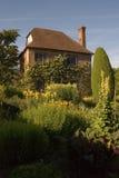 trädgårds- utgångspunkt Arkivfoton