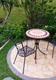trädgårds- utomhus- uteplats för möblemang fotografering för bildbyråer