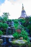 trädgårds- vattenfall Royaltyfri Foto