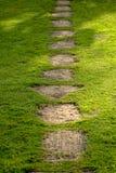 trädgårds- walkway royaltyfri fotografi
