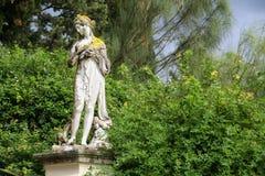 Trädgårdskulpturer arkivfoto
