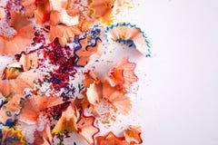 Träfärgrik blyertspennasågspån och shavingsbakgrund Fotografering för Bildbyråer