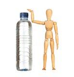 träfalskt vatten för stor flaska arkivbild