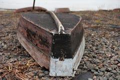 Träfartyg och kedja Royaltyfria Foton