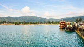 Träfartyget för dyk turnerar på den Nathon pir royaltyfria bilder