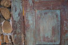 Trägammal dörrtappningbakgrund Royaltyfria Bilder