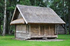 trägammal by för granary arkivfoto