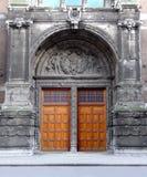 trägammal stil för dörr Arkivbilder