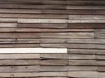 trägammal vägg Arkivfoto