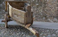 trägammal vagn Arkivfoton