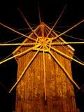 trägammal windmill arkivfoton