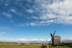 trägammal windmill Royaltyfri Fotografi