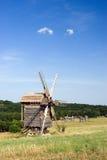 trägammala windmills Fotografering för Bildbyråer