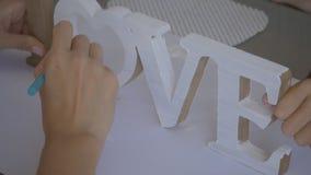 Trägarneringar Förälskelse arkivfilmer