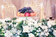 Trägt Behälter Früchte Lizenzfreies Stockbild