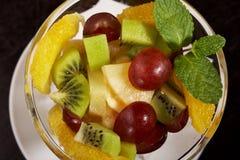 Trägt Hintergrunderdbeernachtisch Früchte Stockfotografie