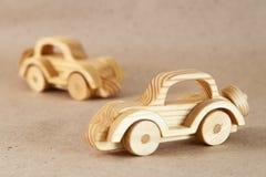 Trähandgjord leksak - en retro bil Arkivfoton