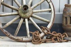 trähjul och kedja Arkivfoton