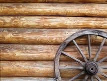 Trähjulet av vagnen royaltyfri bild