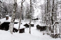 trähus för 19th århundrade i Norge Arkivfoton