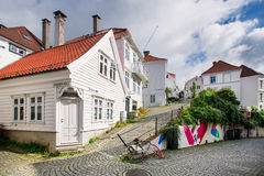Trähus i Bergen, Norge Royaltyfri Fotografi