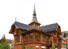 Trähus i Engelberg switzerland Royaltyfri Bild