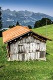 Trähus i Malbun i Lichtenstein, Europa Royaltyfri Fotografi